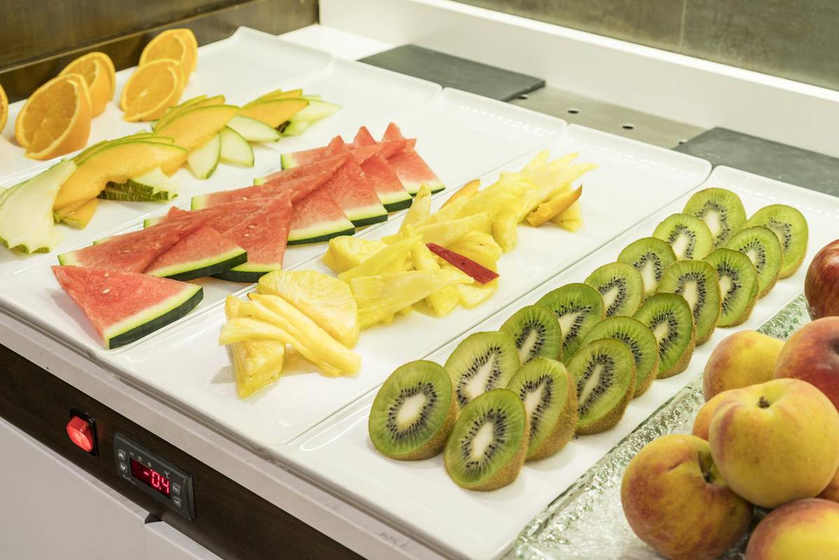 Breakfast buffet ilunion suites madrid hotel ilunion suites madrid